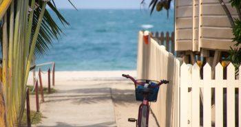 Quais as vantagens de morar na praia?